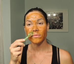 Honey, Turmeric and Cinnoman Face Mask